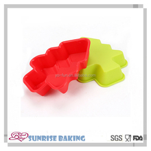Durable and washable Christmas tree silicone cupcakes,muffin silicone baking cups