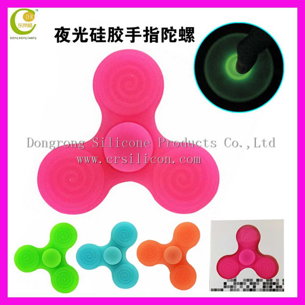 Wholesale Promotional Relieve Stress Multicolor Food Grade Soft Safe Silicone Spinner,Baby Kid Toy Silicone Hand Finger Gyro