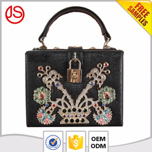 China supplier women elegant hard case embroidered glitter crystal rhinestone Cell Phone Case clutch bag with lock