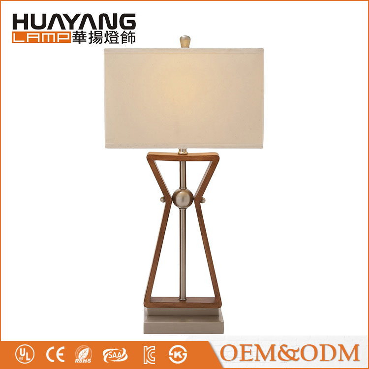 2017 new design decorative fabric lampshade bedside modern wood table lamp