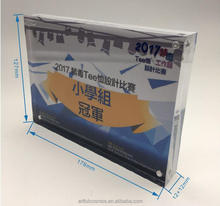 5 R acrylic photo frame with 8 magnet 12+12 mm thickness