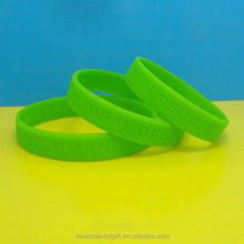 cheap sell customized green Engraved Silicon Bracelet