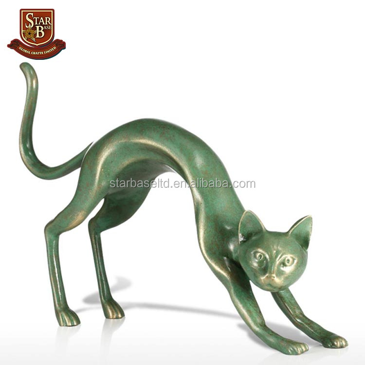 Factory custom made resin stretching cat figurine for home dec