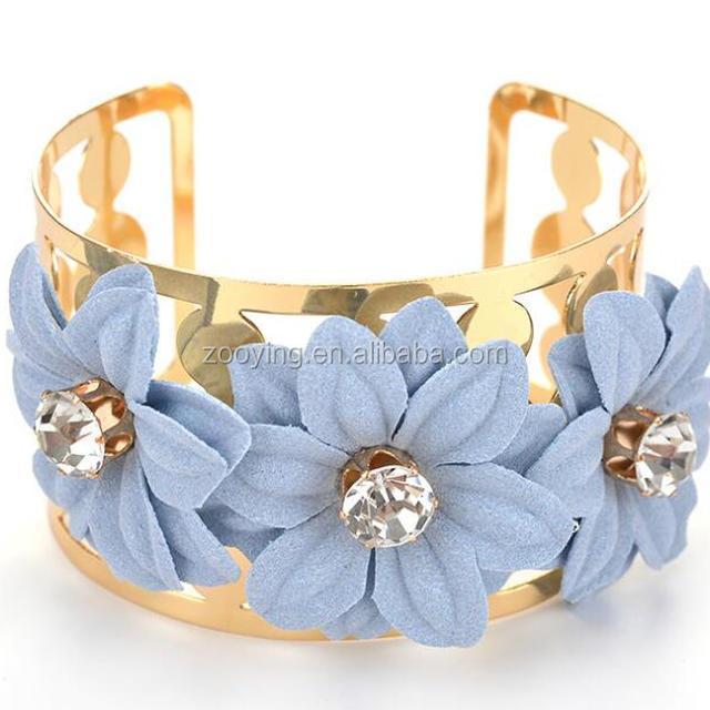Crystal Gold Metal Plastic Flower Cuff Bangle