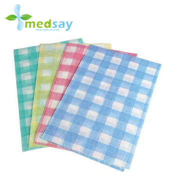 Disposable spunlace non woven cleaning wipes square type
