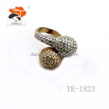 Wholesale New Fashion Model Wedding Ring With Hot sales alloy rhinestone jewelry