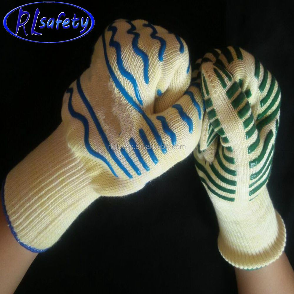 Smoker and Kitchen Accessories Heat Resistant Protection & Silicone Insulated Heat Fire Flame Cooking Gloves