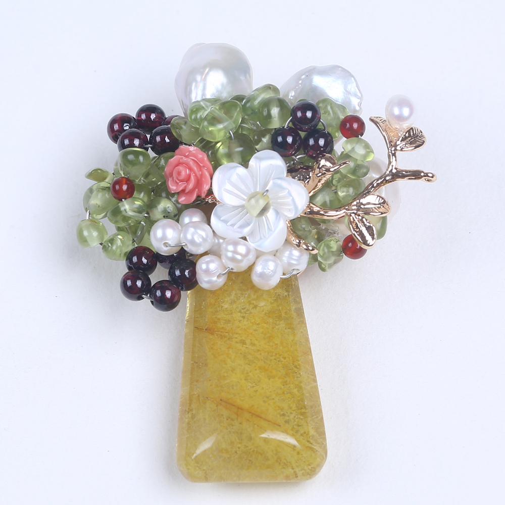 high quality hand making fashion brooch with flower shape