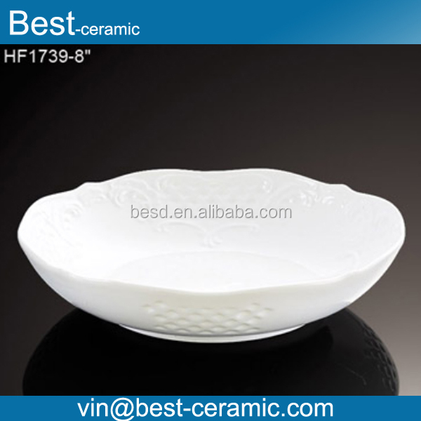 Customized round shape flower rim embossed white decoration plate ceramic pie plate wholesale