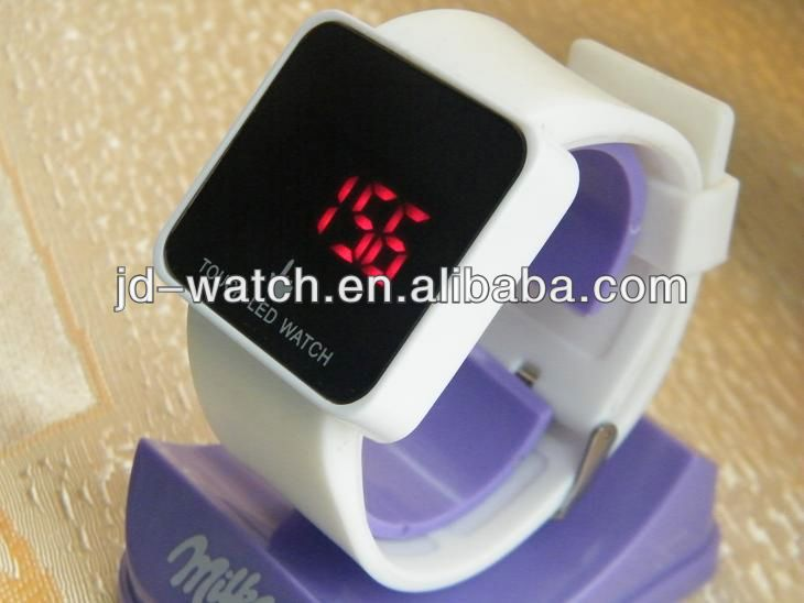 2013 new style hot sale silicone connect led watch