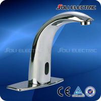 Chrome Finish Brass Bathroom Automatic Sensor Water Faucet