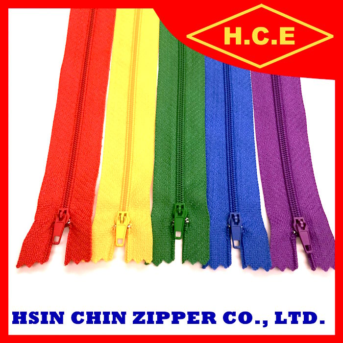 Wholesale high quality teeth colorful nylon zipper for sleeping bags