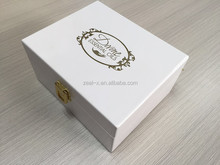 Luxury Metal Lock White Lacquer Wooden Essential Oil Box With silk scrreen Logo