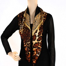 Extremely Softness Custom Design Leopard Print Silk Square Scarf For Ladies