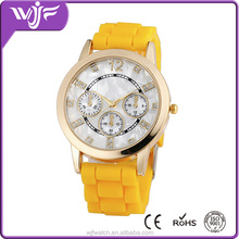 Fashion Studded Diamond Geneva Lady Silicone Rubber Band Watch