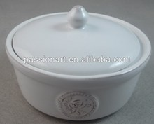 Ceramic soup bowl with lid