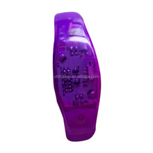 2015 new sound-activated silicone led flashlight wristband