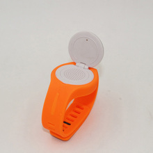 Outdoor sports watch bluetooth speaker with vibrating speaker