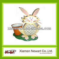 NA13A821 Cute and Fat Rabbit with Flower Pot