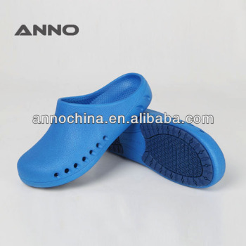 Anti-slip Medical Nursing Clogs