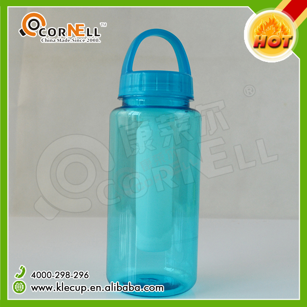 500ml cheap creative plastic water bottle with frozen stick quickly have a cold drink