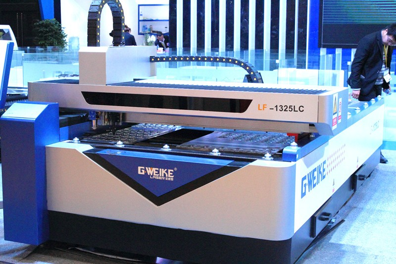 G.Weike lf1325lc fiber and co2 laser cutting machine_