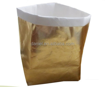 2017 customize design Wholesale Metallic washable kraft paper storage bag