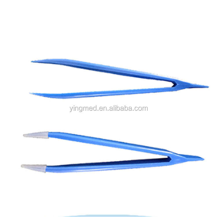Disposable plastic forceps
