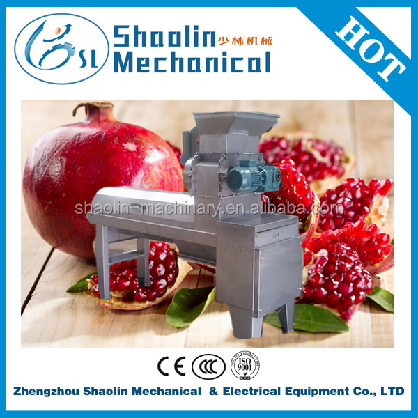 High output fruit peeling and crushing machine for pomegranate with low damage