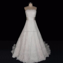 Real Sample Strapless Heavy Lace Wedding Dress Bridal Gown with Chapel Train