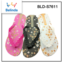 wholesale latest cheap china shoes one dollar flip flops women sandals