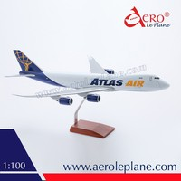 1:100 Scale Plane Atlas Air B747 Boeing 747 8F Hot Selling Special One Piece Wooden Stand Cargo Aeroplane Resin Aircraft Model