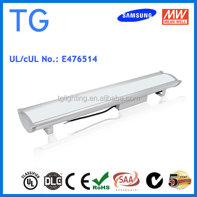 DLC UL Aluminum Alloy Lamp Body Material and IP65 IP Rating tennis court light led 200w