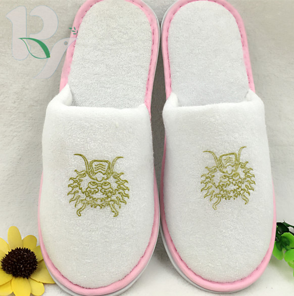 Trade assurance wholesale cheap terry cloth spa slippers with logo