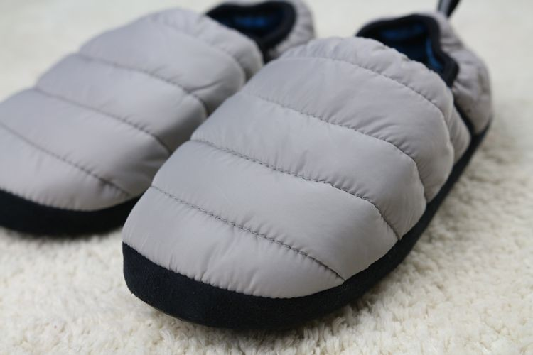 OEM cheap comfortable ladies indoor winter slipper shoes