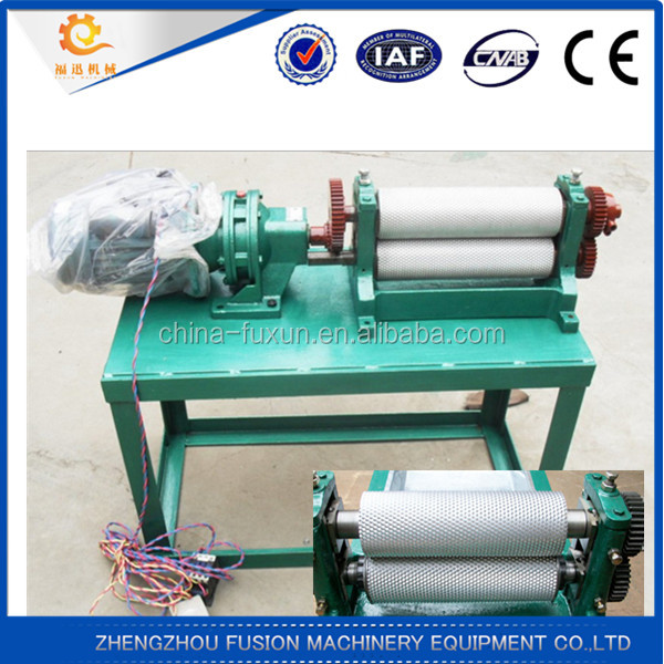 GOOD QUALITY Beeswax foundation roller machine/bees wax manual beeswax foundation machine