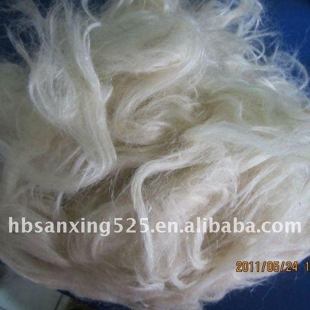 Scoured goat hair for carpet yarn