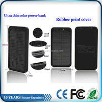 Hot 5000mah solar ultra thin powered phone charger for hiking
