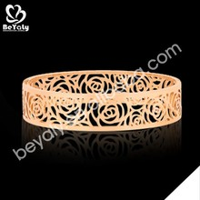 Hollow design luxurious wholesale rose gold bangles pictures