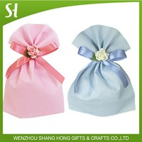 fancy nice cute small non woven wedding gift candy bag with flower