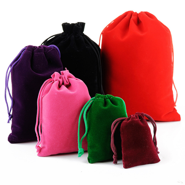 China manufacturer accept custom promotional portable power drawstring tied velvet bag velvet drawstring bag