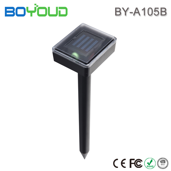 New premium item solar sonic vibration snake repeller with outdoor