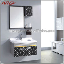 Dressing mirrored cabinet