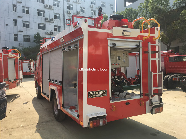 2000L water fire engine6.JPG