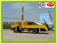 Dongfeng 4x2 side rail flatbed truck with crane ,used crane trucks for sale