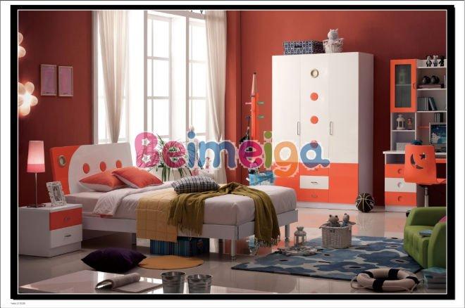Brillant adultes de chambre coucher en couleur orange for Chambre adulte coloree