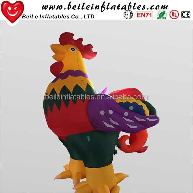 Factory production giant inflatable chicken