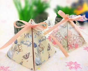 Wedding gift box flower ribbon pyramid candy box favor paper bag wedding gifts for guests wedding decoration