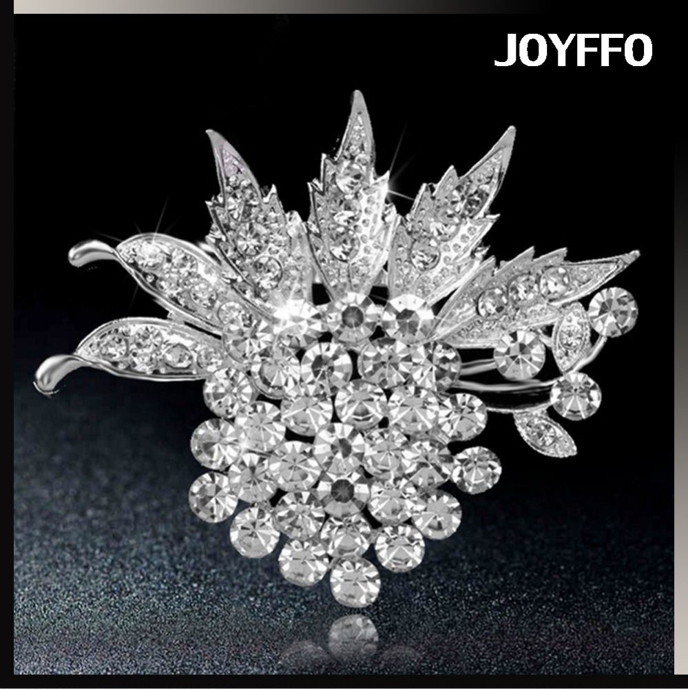 Beautiful brooches for women,crystal brooch bouquet engraved flower carving brooch Elegant scarf buckle