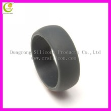Trending hot sale products grey color debossed logo customized silicone rubber wedding ring made in China